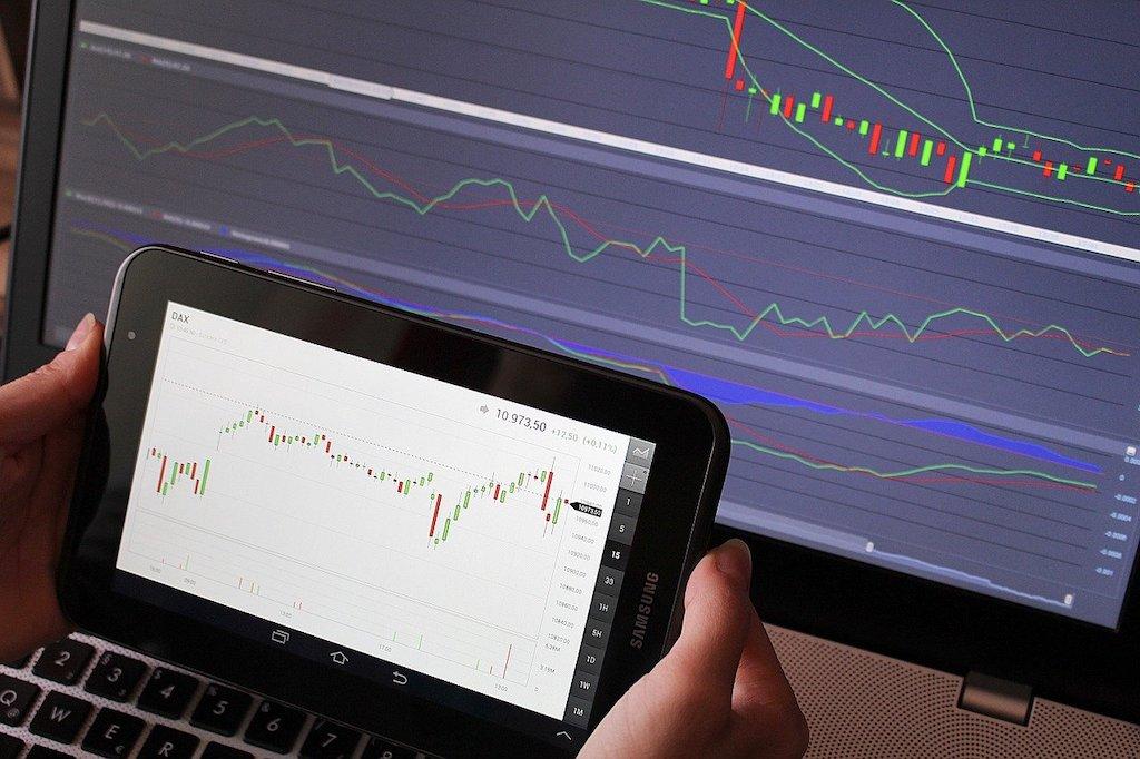 仮想通貨の移動平均線の分析・活用法についての解説
